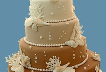 Cakes & Cupcakes / by Elizabeth Anne