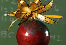 Gifts + Teacher / by Natalie Wys