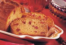 Sweet and Savory Breads / Libby's Pure Pumpkin adds a flavorful twist to your favorite sweet and savory breads.  / by LIBBY'S Pumpkin