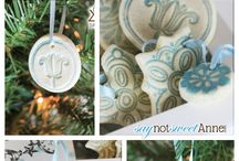 CHRISTmas Ornaments / CHRISTmas ornaments, ideas and inspiration, as well as instructions on how to do them. / by Lisa Parra