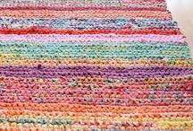 alfombras de totora / by Valeria Menza