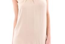 Womens Dress /  Какво най-бързо може да превърне една съвременна Пепеляшка в ослепителна красавица? Отговорът е една шармантна и спираща дъха рокля. Отдавна вече малката черна рокля се оказва недостатъчна, за да впечатлиш околните, макар да не отричаме доказаните й качества. Факт е обаче, че в гардероба на всяка жена присъстват по няколко десетки рокли и тя никога не може да открие подходящата, когато си постави за цел да бъде неотразима. Нашият магазин за дрехи, обувки и аксесоари е виртуалният рай. / by Damski Drehi