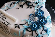 Cake decorating! / by ZoArtistique