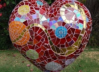 Mosaic Garden Art / by Dee