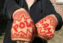 Knitted Mittens / by Andrea Voon