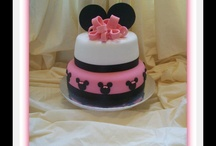 minie mouse cakes / by Maria Andujar