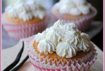 Cakes & Pies / by Katie Koepl