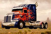 Trucks* / by yirep de Hernández
