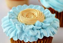 Cupcakes / Yummy Yummy / by Erendira Sizemore