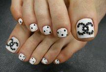 Nails / by Valerie Schneider