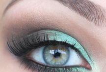 Make-Up / by Lindsay Strauss