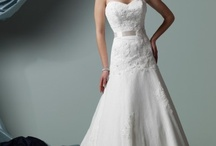 Wedding dresses / by Jamie Leigh