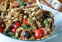 Recipes to try - main dishes / by Heidi Stello