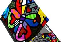 Skins & Laptop / Sou Jorge Laborda e moro em Manaus, Amazonas, Brasil. Sou design, web design, editor e escritor. Entre em contato e faremos negócios. e-mail:jorgelaborda@gmail.com / by Jorge Laborda