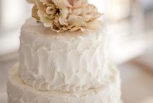 Wedding Cakes / by Maybel Bulac