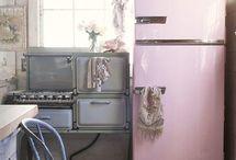 Vintage kitchen / by Rose [Akerson] Hopson