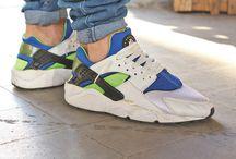 Street Sneakers / by 25 Gramos