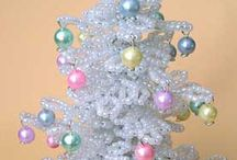 Christmas Crafties DIY / Crafts just for that special time of year...Christmas! / by Jamie Spires