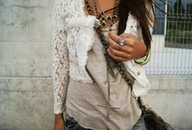 Looks. / things i like, wear, or would like to wear / by Paige Hansen