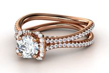 to my future husband.. this is the type of engagement ring i like, so pick a good one.  / by Katlyn Duke