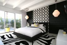 BLACK & WHITE ROOM / There is no better combo than Black and White.  The striking contrast is wonderful.   / by Marnie Fuchs Martin