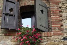 Balconies and windows / by Sara Colombo