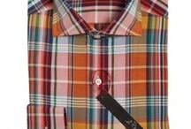 Il Rosso Italiaanse overhemden zomer 2012 collectie / Il Rosso overhemden worden met de grootst mogelijke toewijding, creativiteit en aandacht voor detail uitsluitend gemaakt in Italië in een klein atelier aan de rand van Milaan. Prachtig verpakt in een mooie Il Rosso doos worden alle overhemden vrijwel direct na bestelling verstuurd zodat je ze binnen 24 uur in huis hebt. Een Il Rosso overhemd is gemaakt van de mooiste Italiaanse materialen van stoffenproducenten als Cotinificio Albini en Thomason. / by Il Rosso