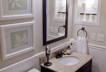 Small bathroom / by Cindy Henning