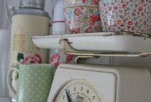 vintage/shabby chic / by Linda Hartmann