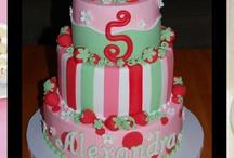 Cakes / Design ideas for cakes / by Lasha Seiferth