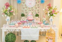 Garden Party Ideas / by Bianca Milena