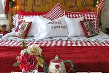 Christmas-Bedrooms / by Jill Robinson Breen