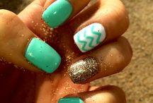 Beach Nails / by Lola Beal