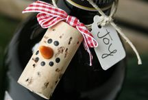wine crafts (cork and bottles) / by Holly Wine