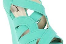 Shoe Addict / by Bridget Haines