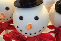 Christmas cake decorating ideas / by Karen Lee