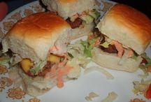 Mini burgers / by Dorothy Massey