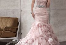 dress<3 / by Candy zarate
