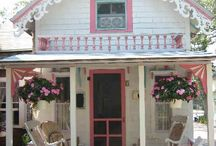 cute cottage / by Nicole Smith