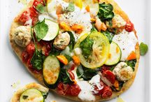 pizza pizza and more pizza / by Jessica Howard