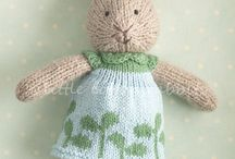 Knitting / by Pauline Fallon