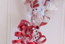 CHRISTMAS Crafts, Traditions, Gifts & Decor  / by Lydia Carey