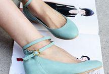 Zapatos siempre / by Virginia Gonzalez Marro