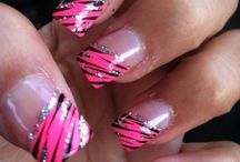 Pretty nails.... YESS PLEASE / by Erin Phelps