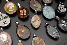 pendants / by Vlenda Dornseif