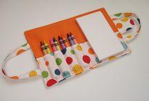 Color wallet / Para qué los niños viajen con sus crayones / by Eleana Duran