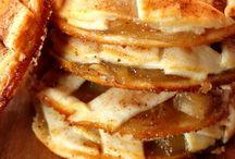 Pudding's & Pie's / by Sandra Rummel