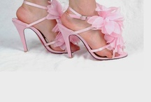 OMG, Shoes!! / by Khadijah Fennell