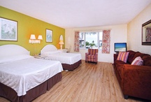 Gulfview Studio Starky Lodge - Island Inn / Extra large studio with gulfviews, two double beds, one queen pullout sofa, private bath, hardwood floors, full kitchen, seating area, 32 inch flat screen LCD cable TV, DVD/CD player and wifi. / by Island Inn