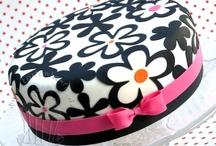 Cake ideas / by Cheyenne Swanson